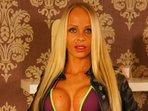 Schlank und grosse Brueste, Blondes Haar, Piercings, DominanteHerrin, Tattoos, SchlankUndSportlich, Heisses Geraet, Sportlich