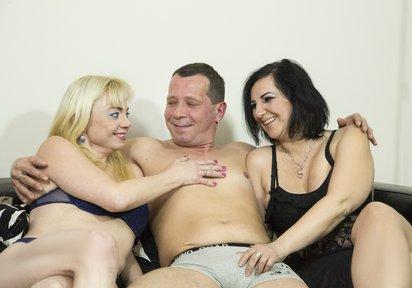 Sex Cam SweetAndrea+HotChantal+HardBernd