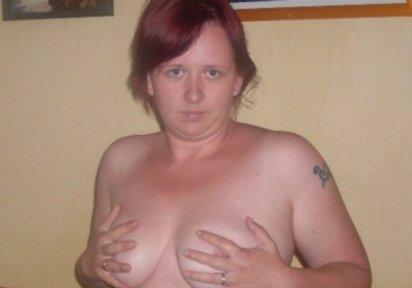 SweetPeggy Blind Date Devot, Dominant, Schlank und grosse Brueste, Kurzes Haar, BiGirl, Tattoos, Rotes Haar - TELEFONLIVESEX - LIVECAM NONSTOP