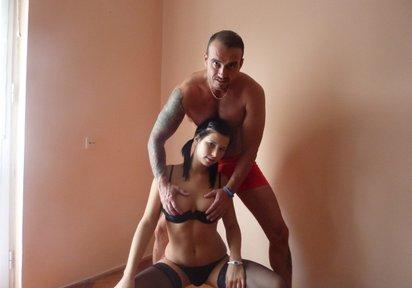 DirtySarah & Danilo Online Chat Paare, Devot, Show mit Dildo, Braunes Haar, Dominant - Heisse Sexgirls Cam - Tolle Girls erwarten Dich im Livechat !