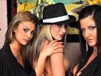 Suesse Jolie & Sexy Barbara & Geile Amanda - Devot, Show mit Dildo
